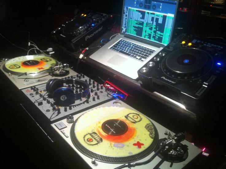 9564f3ea77741d51c3341b6260d09f36--dj-equipment-vinyl-collection.jpg